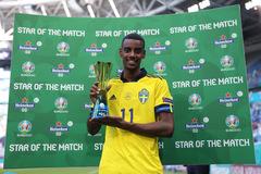 Arsenal vung tiền mua tiền đạo trẻ hay nhất Euro 2020
