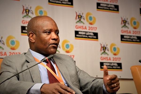 Giám đốc CDC châu Phi tuyên bố thua trước dịch Covid-19