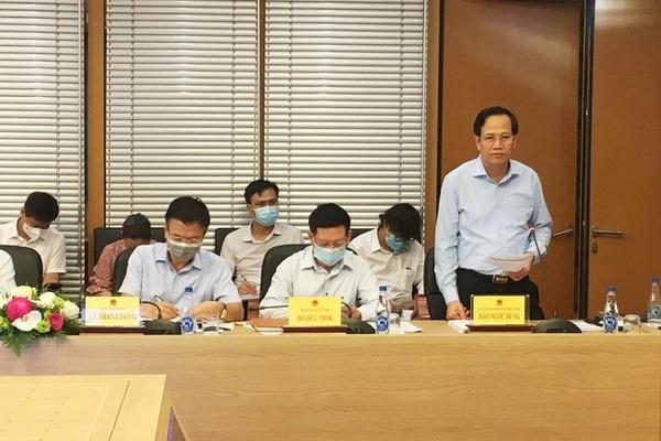 """Chậm tiêm vắc xin phòng Covid-19 sẽ khiến Việt Nam """"thất thế"""", giảm hấp dẫn"""