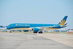 Chuyến bay đưa 240 công dân Việt Nam từ Mỹ về nước