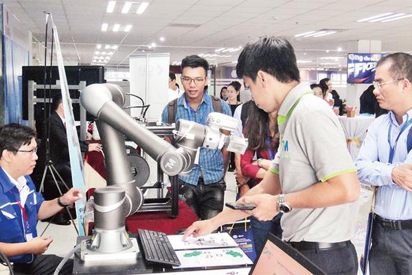 Đại hội XIII của Đảng: Phát triển mạnh khoa học-công nghệ là nền tảng đổi mới mô hình tăng trưởng