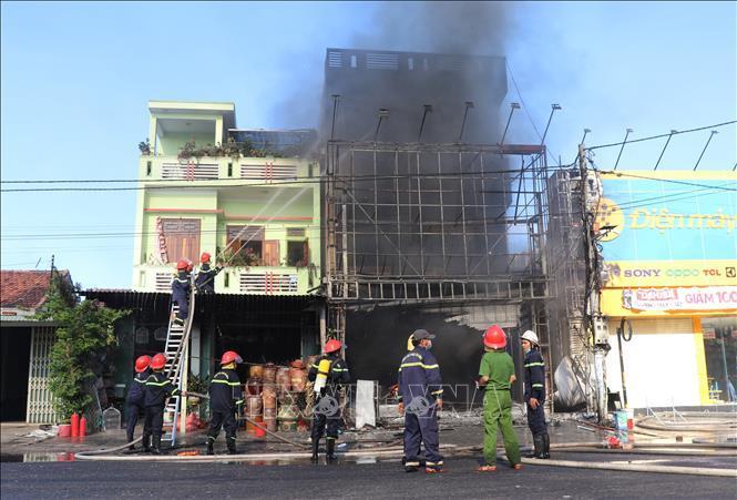 Phát hiện người nhiễm Covid-19, Phú Yên khẩn tìm tất cả người đến xem đám cháy