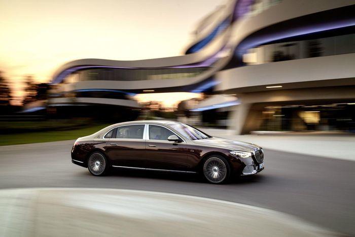 Đại gia mua Rolls Royce 'suất ngoại giao', trốn chuyển nhượng, tránh nộp thuế