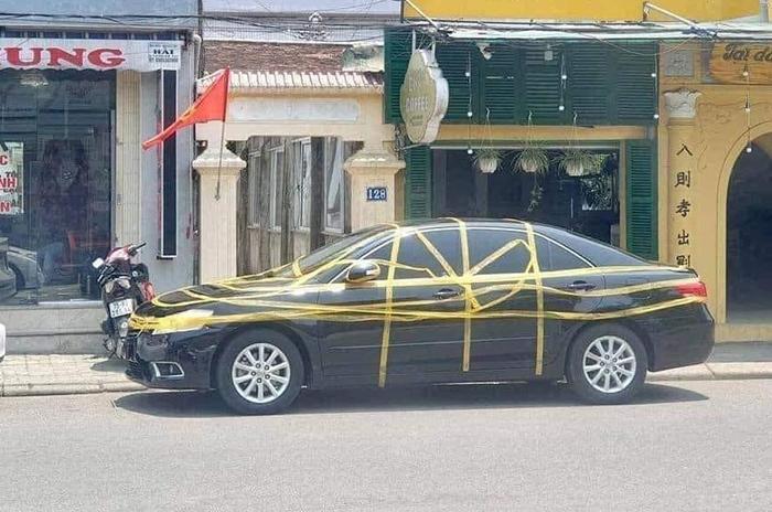 'Ngàn lẻ một' kiểu dằn mặt vì đỗ ô tô kém duyên