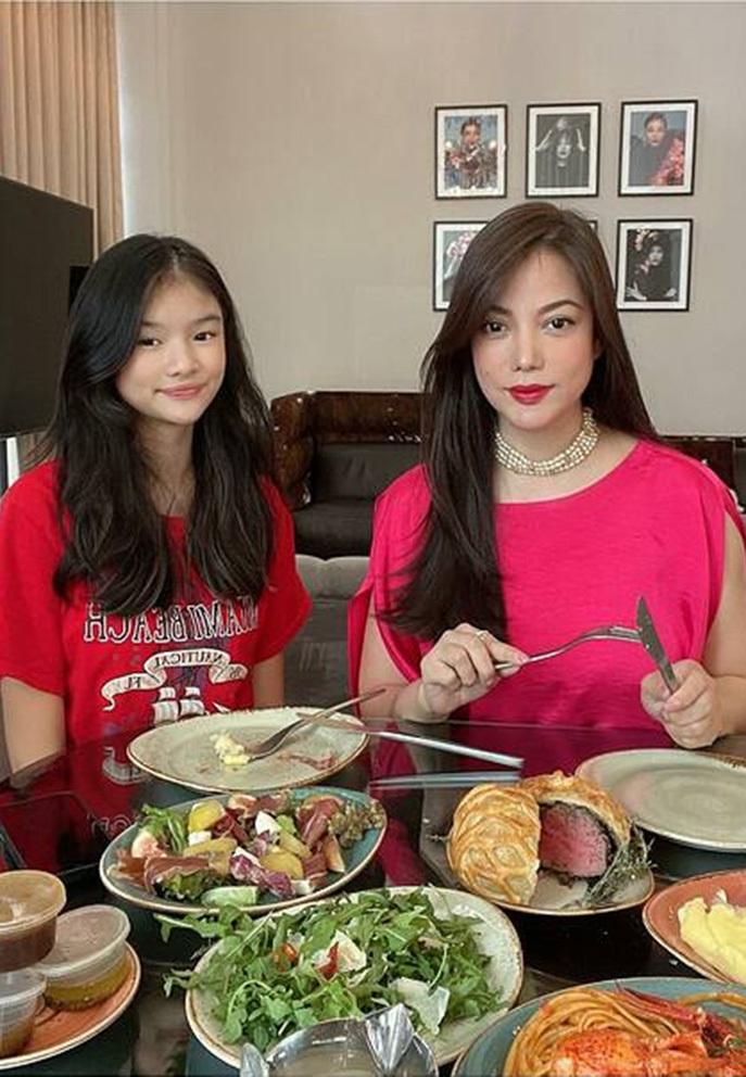 Con gái Trương Ngọc Ánh - Trần Bảo Sơn ra dáng thiếu nữ ở tuổi 12