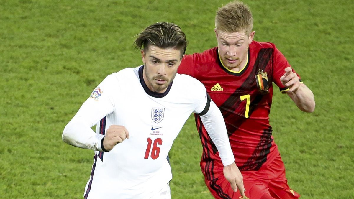 Man City phá kỷ lục chuyển nhượng bóng đá Anh
