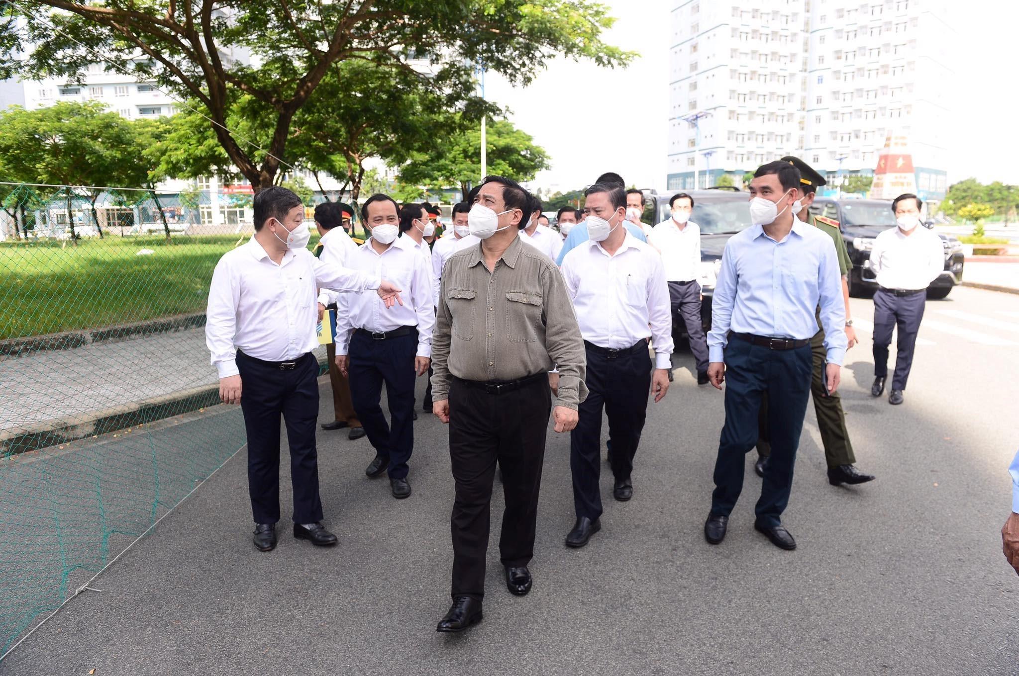 Thủ tướng trực tiếp kiểm tra công tác phòng chống dịch ở TP.HCM
