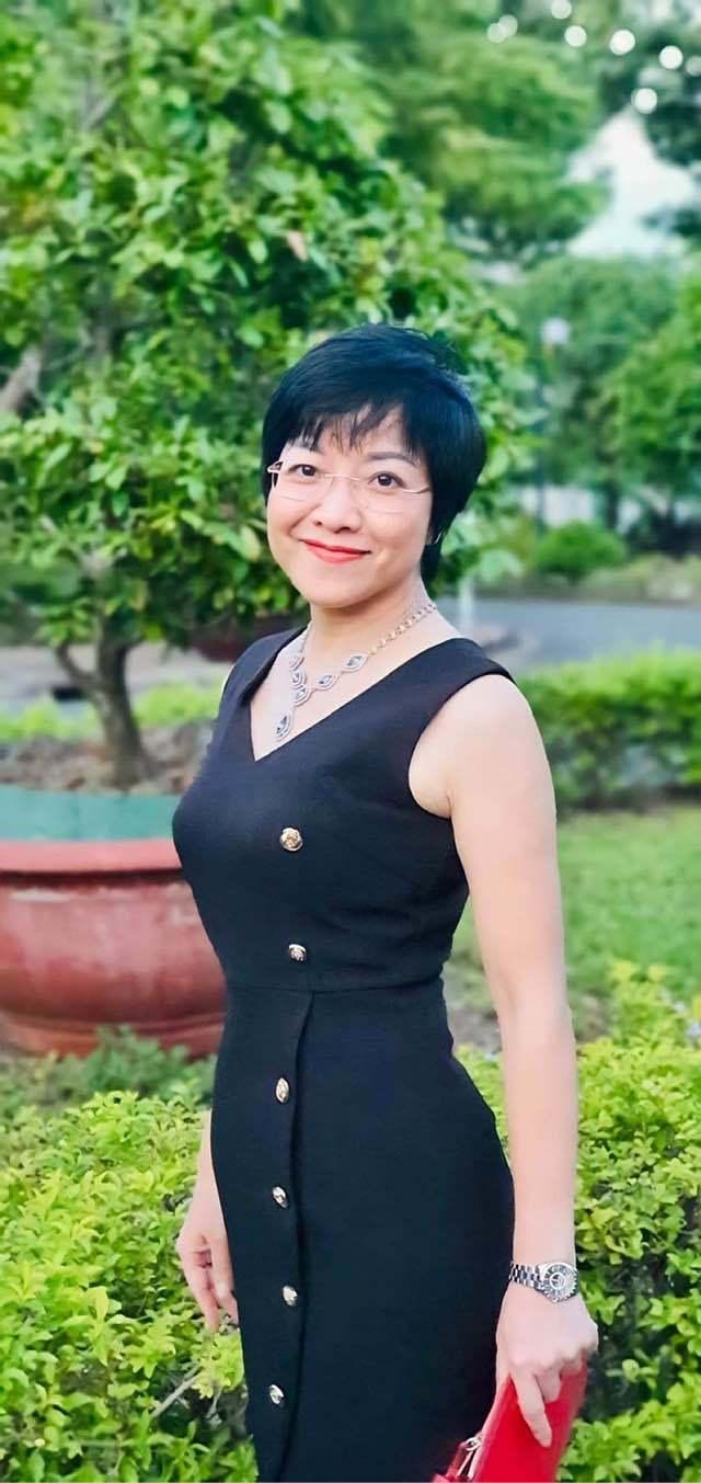 U50, MC Thảo Vân vẫn vô cùng trẻ đẹp