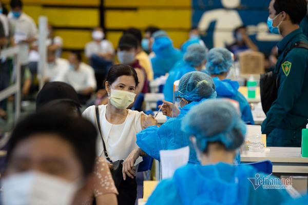 Thủ tướng: Chậm nhất 1 năm nữa phải có vắc xin trong nước