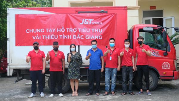 Chuyển phát nhanh J&T Express hỗ trợ nông dân Bắc Giang tiêu thụ vải thiều