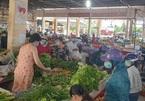 TP.HCM phát phiếu cho người dân đi chợ, tiểu thương bán luân phiên