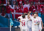 Đan Mạch vào tứ kết sau tiệc bàn thắng