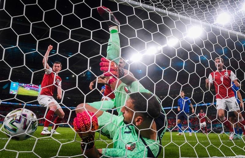 5 điều rút ra từ trận Italy thắng Áo: Mancini hay... toát mồ hôi