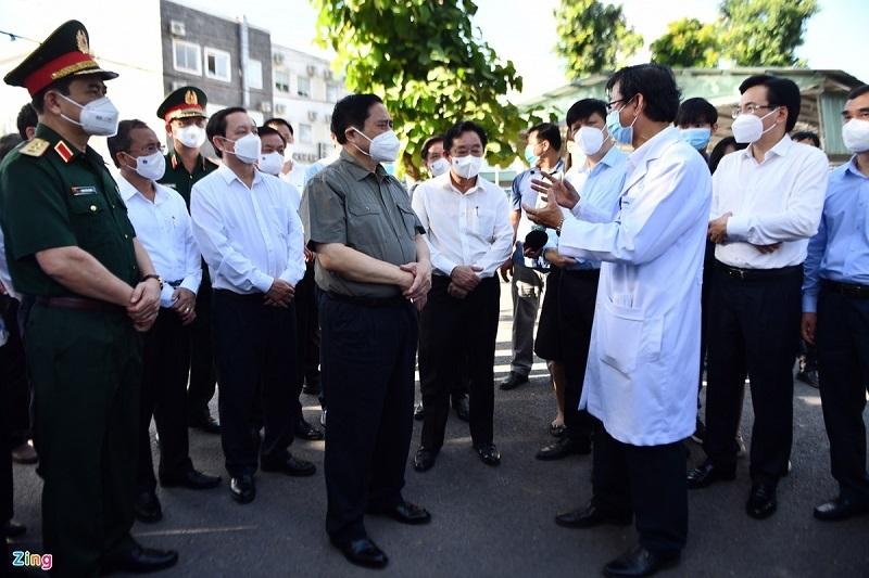 Thủ tướng Phạm Minh Chính kiểm tra công tác phòng chống dịch tại Bình Dương