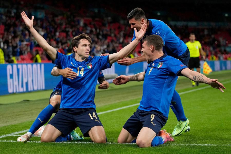 Italy vào tứ kết EURO 2020: Cuộc trỗi dậy từ siêu dự bị Chiesa