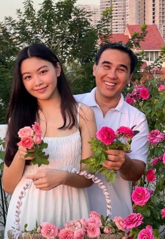 Diva Thanh Lam và bạn trai hạnh phúc sau lễ dạm ngõ