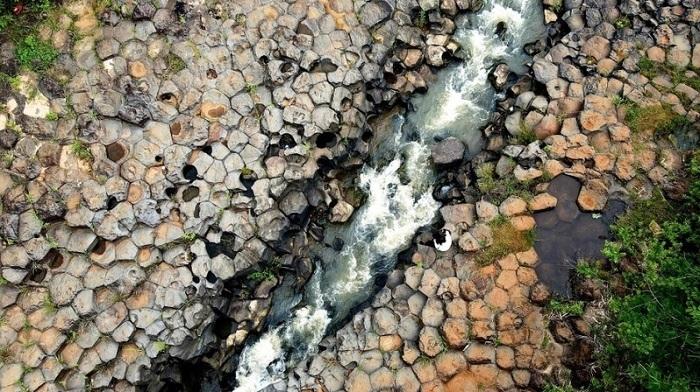 Jrai Pha stream,Gia Lai travel,ancient stone