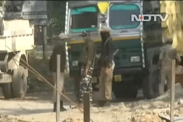 Máy bay không người lái thả chất nổ khủng bố căn cứ Ấn Độ