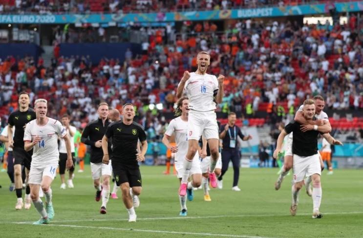 Hà Lan thua đau CH Séc: Cú sốc và chiến thuật kém cỏi