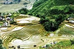 Mountainous village awaits tourists