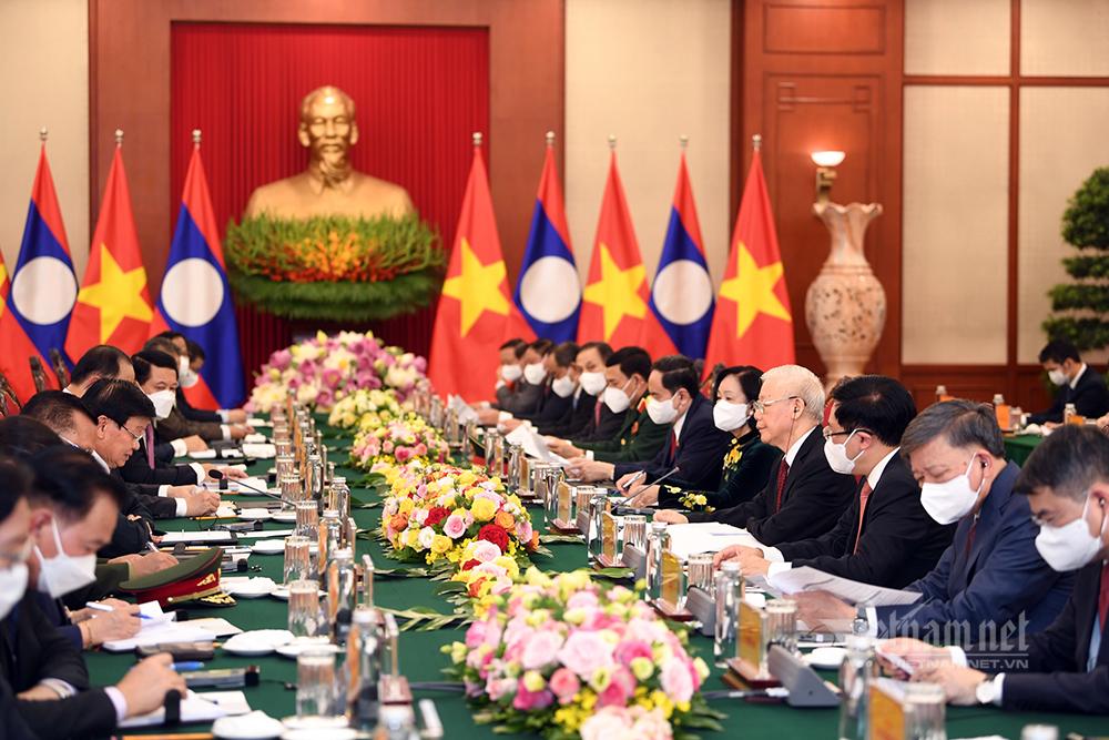 Tổng Bí thư Nguyễn Phú Trọng hội đàm với Tổng Bí thư, Chủ tịch nước Lào