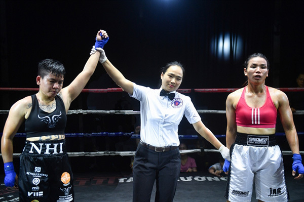 Referee Le just wants to run good, clean fights