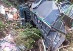 Xe tải lao xuống vực sâu, 2 người chết, 1 người bị thương