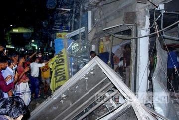 Nổ khí ga như động đất, hàng trăm người Bangladesh thương vong