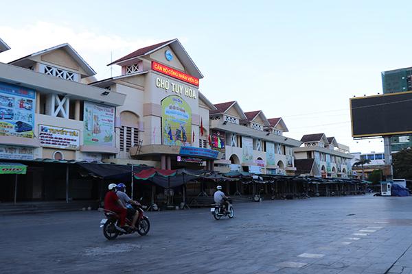 Phú Yên tạm dừng hoạt động chợ Tuy Hòa