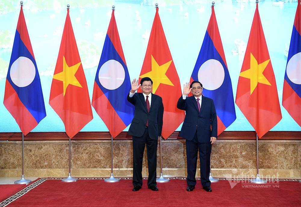 Việt Nam - Lào cùng hỗ trợ nhau phòng chống dịch Covid-19