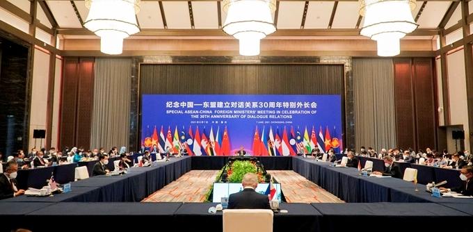 ASEAN và Trung Quốc nâng tầm hay xa rời quan hệ