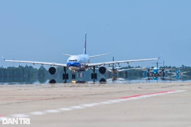 Có 30 hãng hàng không nước ngoài đến, đi từ Việt Nam bất chấp Covid-19
