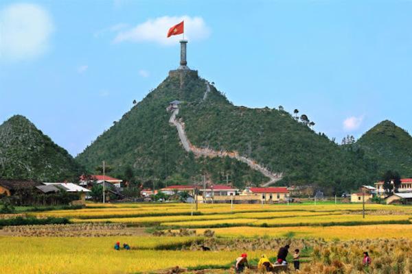 Kim chỉ nam, phương hướng, đường lối phát triển của đất nước trong chặng đường mới