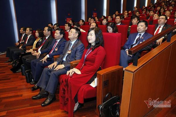 Học tập và làm theo phong cách Hồ Chí Minh bằng hành động cụ thể