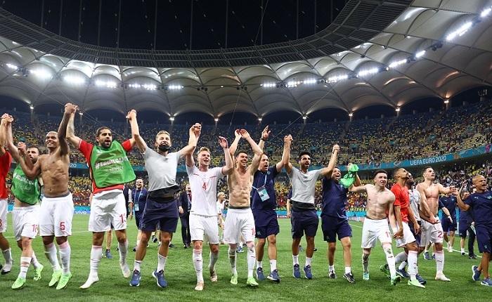 Bốn cặp tứ kết EURO 2020: Cú đấm và những bất ngờ xứng đáng