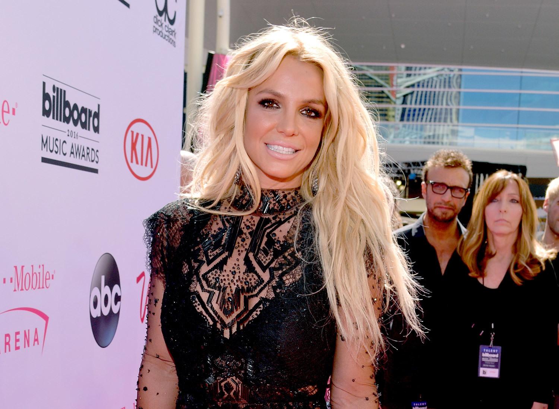 Em gái lần đầu lên tiếng về lời khai chấn động của Britney Spears