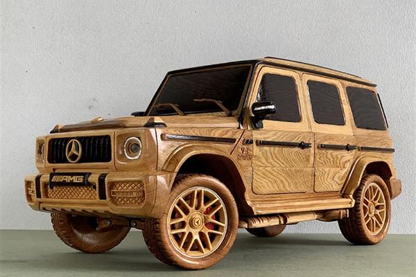 Ngắm mô hình Mercedes-AMG G63 bằng gỗ sang trọng