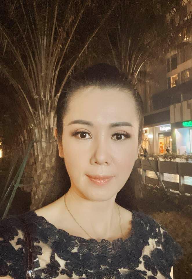 Á hậu Vi Thị Đông: U50 làm mẹ đơn thân bình yên bên con gái