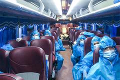 TP.HCM huy động 200 xe khách chuyên dụng chở người mắc Covid-19