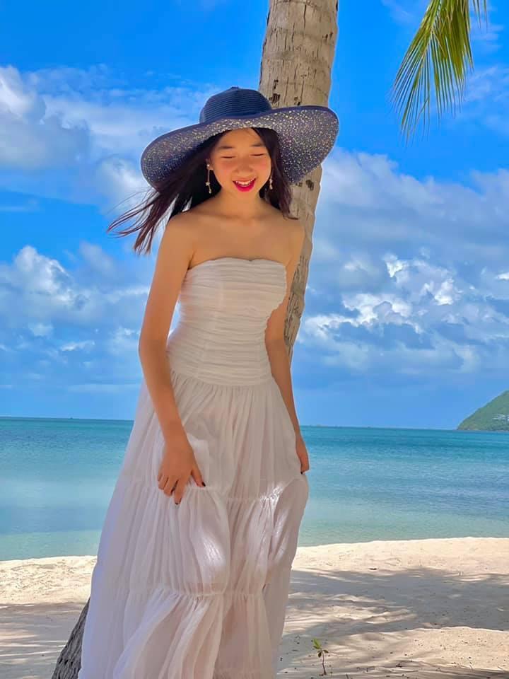 Nguyễn Thị Huyền khoe con gái xinh đẹp sau nhiều năm giấu kín