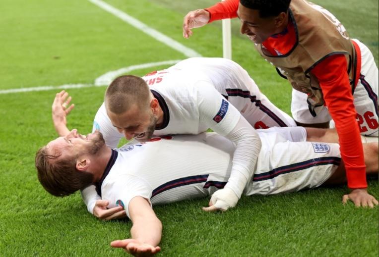 HLV Southgate rút ruột gan sau 'chuộc lỗi' Anh đả bại Đức