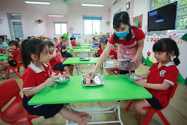 Thực phẩm chức năng cho trẻ: Đừng để 'bổ quá hóa hại'