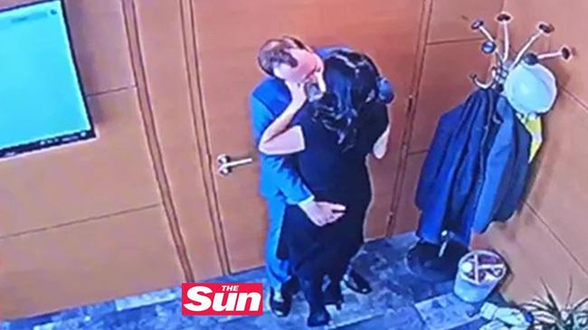 Thân thế người chồng triệu phú của nhân tình Bộ trưởng Y tế Anh