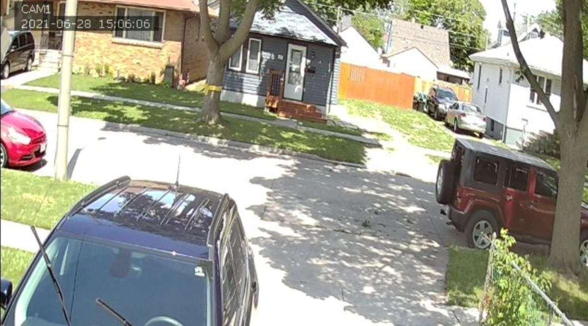 Hàng loạt clip nhạy cảm của camera trong nhà bị đưa lên mạng