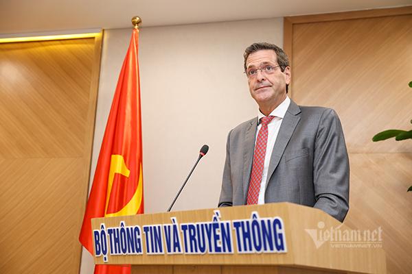 Bộ TT&TT hợp tác cùng ADB thúc đẩy chuyển đổi số Việt Nam