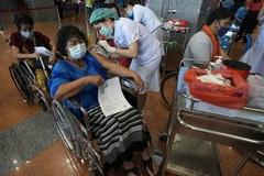 Thái Lan tiếp tục chạm đỉnh ca nhiễm mới Covid-19, Mỹ vượt 100.000 ca