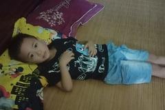 Mẹ bệnh tim tha thiết xin cứu con trai 6 tuổi mắc ung thư hiểm nghèo