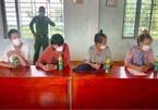Bốn người Trung Quốc nhập cảnh trái phép bị phát hiện khi đi mua thức ăn