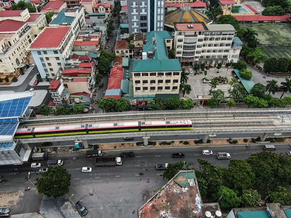 Đường sắt Nhổn - ga Hà Nội đang chạy thử đoạn 8,5km trên cao