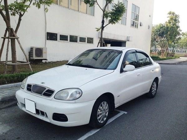 xe-o-to-Daewoo-Lanos-2003-gia-50-trieu